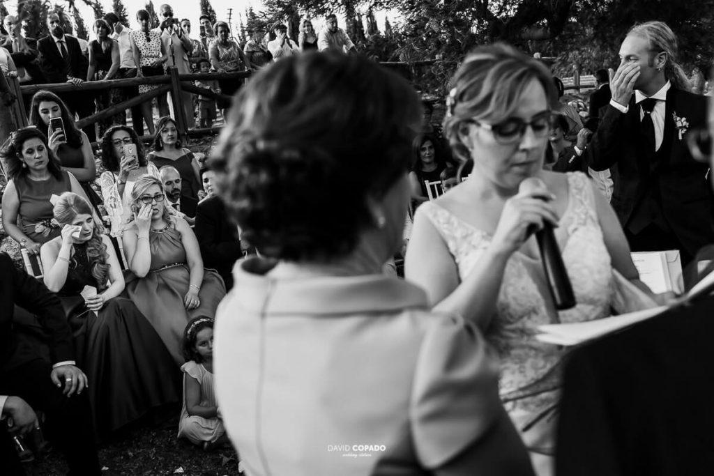 Lectura novia - Fotógrafo de bodas en Ciudad Real - Ángel y Vicen - David Copado