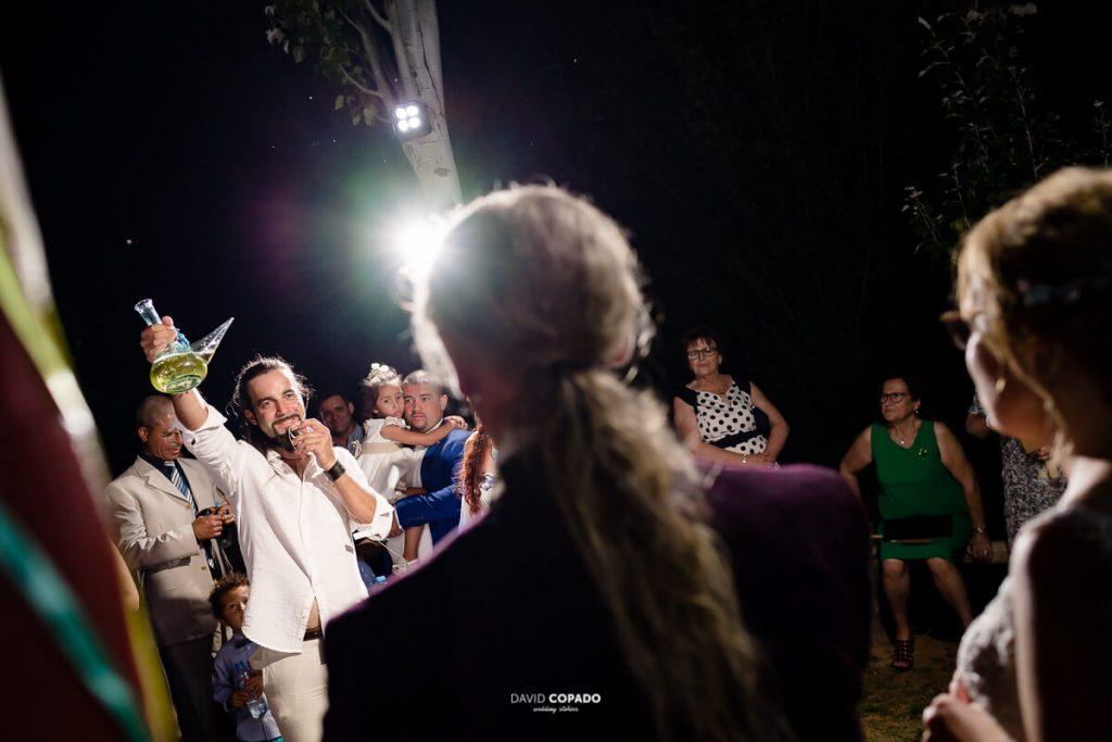 Brindis amigo - Fotógrafo de bodas en Ciudad Real - Ángel y Vicen - David Copado