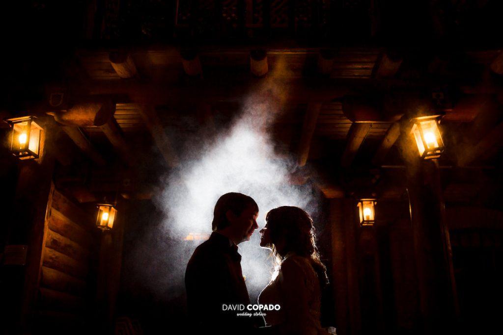 La boda de María y Daniel por David Copado, en el Mirador de la Mancha, en Ciudad Real, estuvo llena de detalles únicos. ¡Mírala!