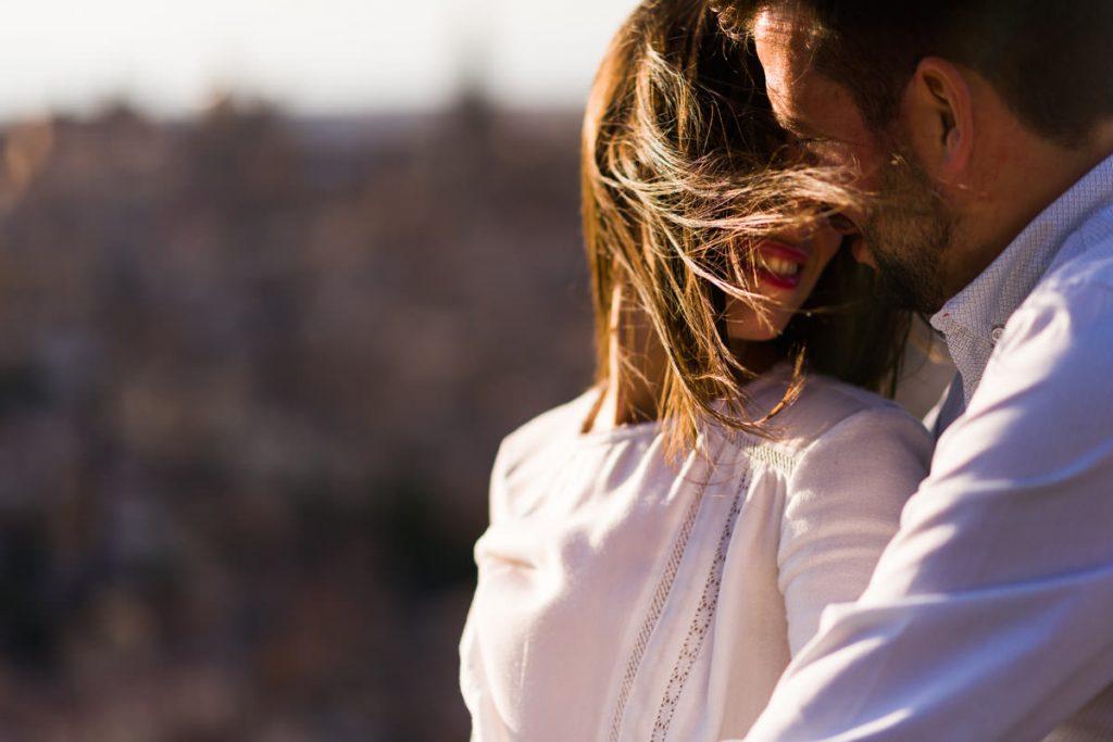 Pareja en una sesión de preboda - Fotógrafo de bodas Ciudad Real - David Copado